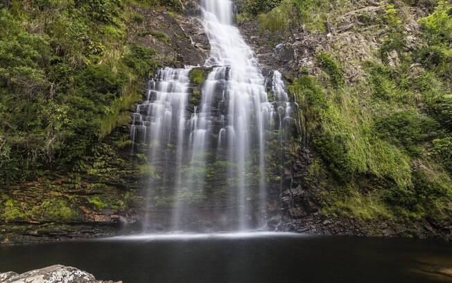 Que tal fugir da muvuca do carnaval com um banho de cachoeira na Serra do Cipó?