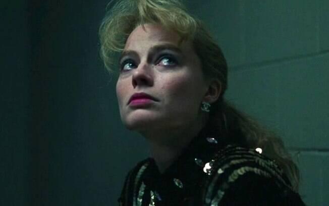 Margot Robbie em cena de