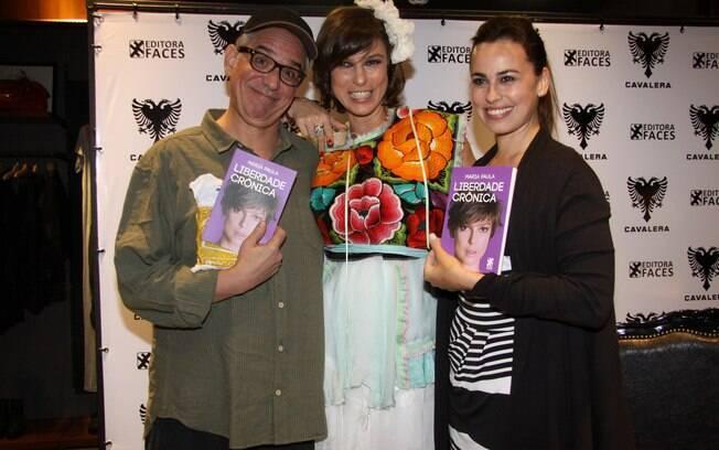 Hubert e Daniela Escobar levaram seus exemplares para casa
