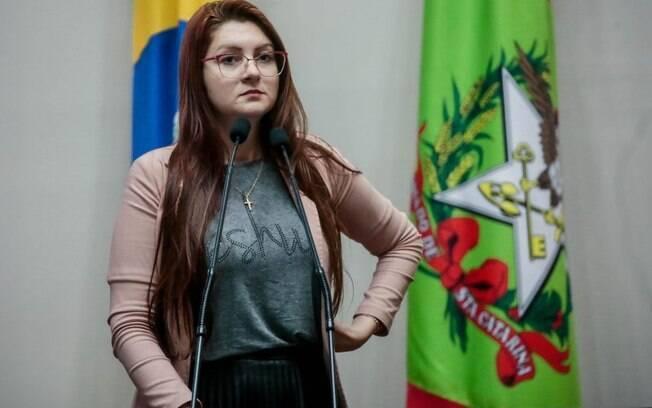 Deputada Ana Campagnolo (PSL-SC) apagou as contas nas redes sociais após ter histórico de postagens sobre maconha descobertos