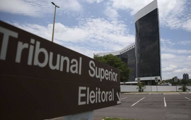placa do tribunal superior eleitoral