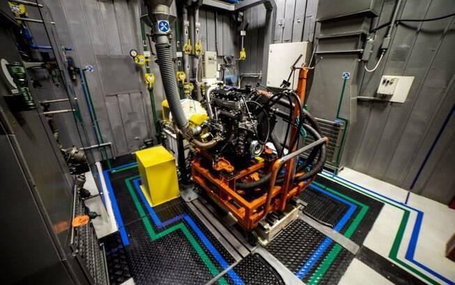 Bancada de testes da FTP, empresa responsável pela produção de motores das famílias PFT, F1A, F1C, NEF e S8000