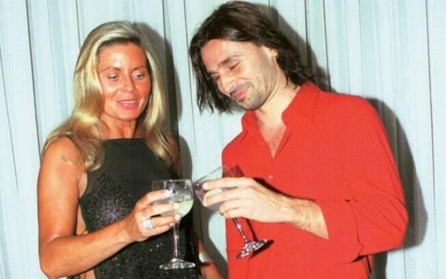 Hoje ele espera a chegada de seu segundo filho com a modelo Fernanda Tavares, mas em 2002, Murilo Rosa namorou por oito meses Vera Fischer