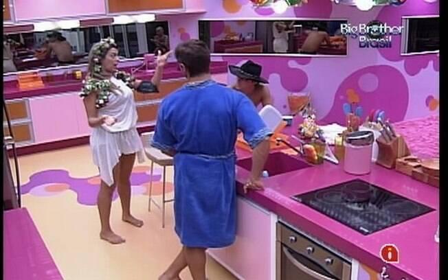 Monique e Jonas falam sobre seus ex