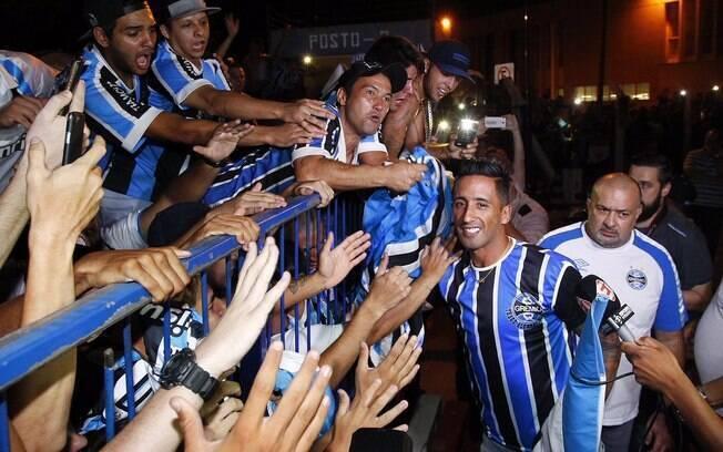 Mercado da bola: Barrios foi recebido com festa no Grêmio