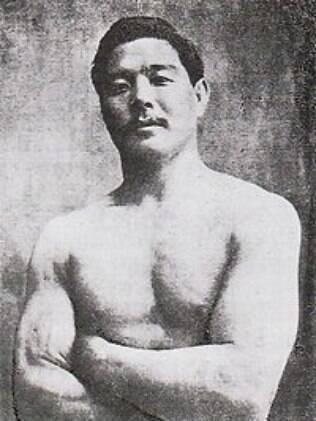 Mitsuyo Maeda foi aluno de Jigoro Kano e deu aulas para a família Gracie
