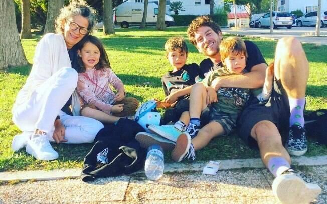 Mãe e filhos de Luana Piovani com Igor Marchesi