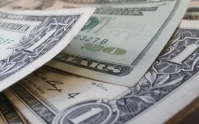 Dólar comercial chegou a ser negociado a R$ 4,67 durante esta quinta feira e fechou o câmbio do dia em R$ 4,651