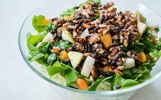 A salada de rúcula é nutritiva, saborosa e opção certa para a dieta