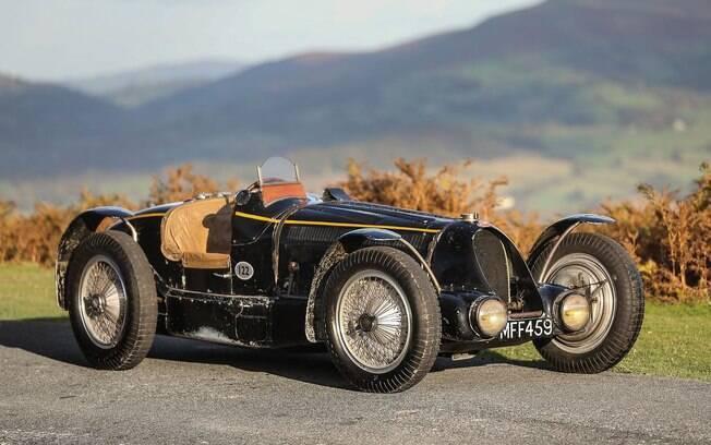 Bugatti preto