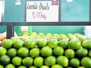 Vai refrescar. Preço do limão bateu em R$ 12,99, por causa de seca, entressafra e do calorão que fez em outubro