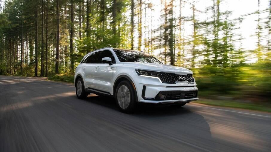 Kia Sorento 2022: SUV já com o novo logo da marca coreana estreia nos EUA em setembro e pode chegar ao Brasil em seguida