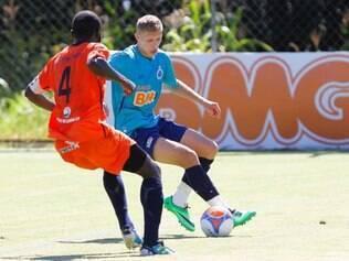 Marlone espera aproveitar as chances que tem para chegar à titularidade no Cruzeiro
