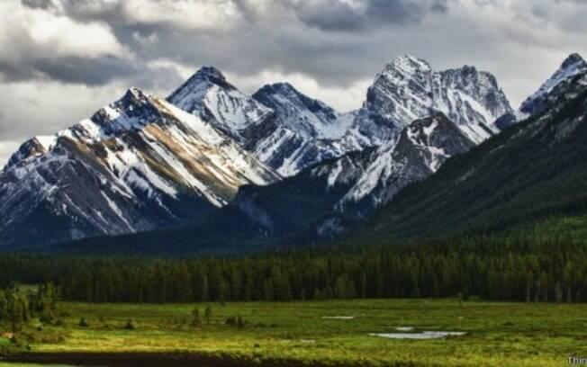 A caça ao tesouro vem beneficiando a região das Rocky Mountains, já que atrai milhares de turistas todos os anos