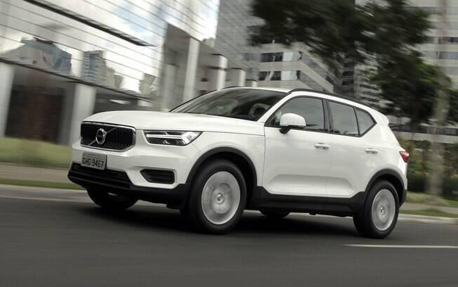 Volvo XC40 chegará com uma versão mais tecnológica para concorrer com os futuros SUVs elétricos