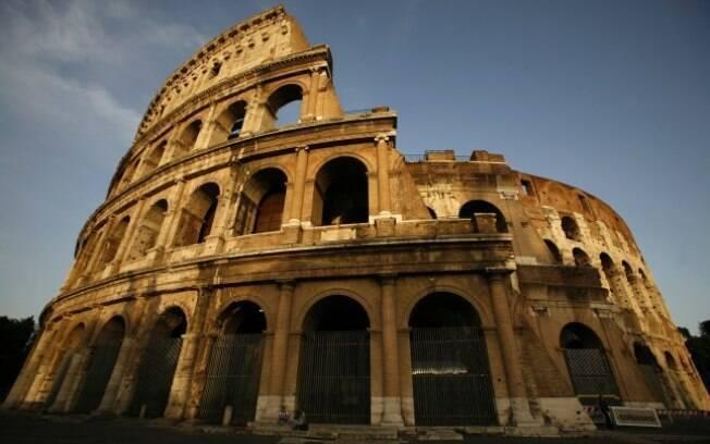 É fácil entender que um ato de vandalismo no Coliseu seja visto como extremamente grave pelos italianos