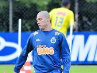 Peça-chave. O volante Nilton é um dos destaques do time B celeste e vai compor o meio-campo do Cruzeiro contra o Atlético, no domingo