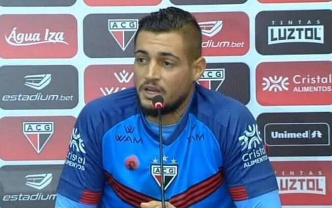 Goleiro Jean em sua apresentação no Atlético-GO