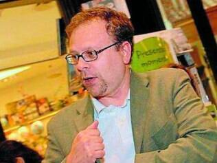 Thales Guaracy recebeu por sua obra, elogio de Laurentino Gomes