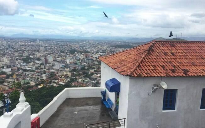Uma das maiores recompensas de subir as escadarias do convento é se deparar com uma belíssima visão da cidade
