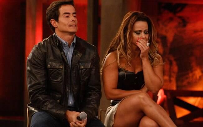Felipe Folgosi e Viviane Araújo esperam o anúncio do vencedor