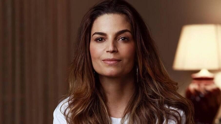 Emanuelle Araujo manda recado para apoiadores do governo Bolsonaro