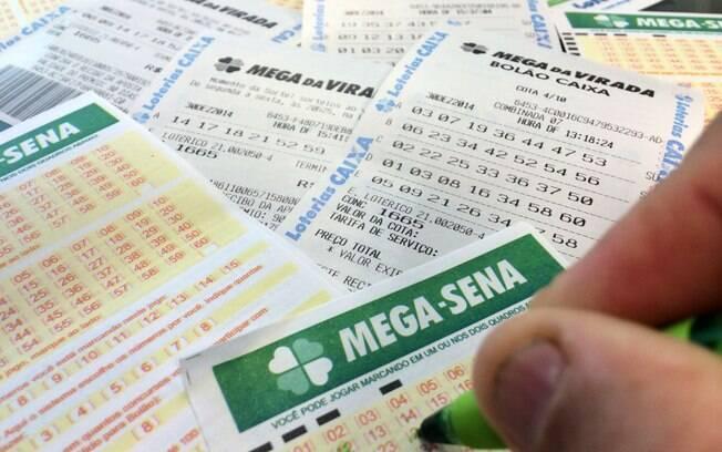 Mega da Virada da virada de 2017 para 2018 saiu para 17 sortudos, que conseguiram R$18 milhões cada um em 2018