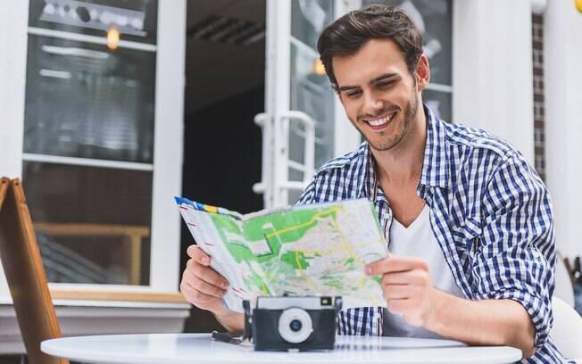 Planejar viagem sozinho pode ser bem mais simples do que você pensa, basta seguir alguns passos simples antes de ir