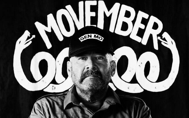 Movember, presente em 21 países, pede que os homens deixem o bigode crescer em apoio à causa