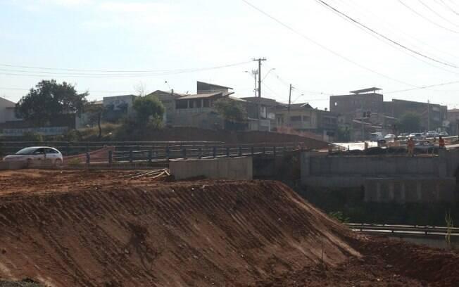 Ponte da Avenida Camucim, no Ouro Verde, terá bloqueio na segunda