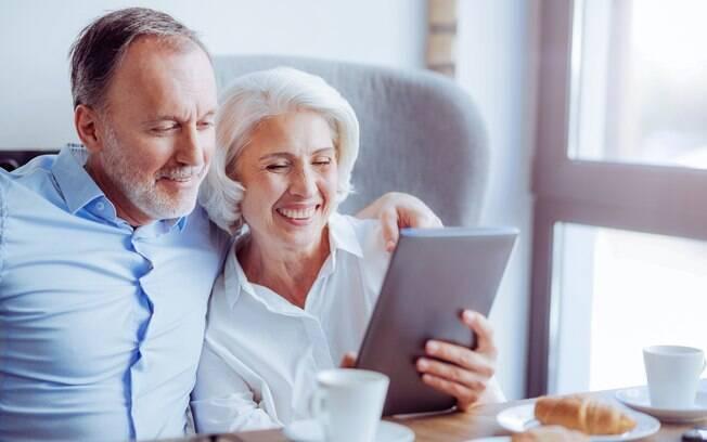 Quem recebeu benefícios previdenciários como aposentadoria, pensão por morte, auxílio-doença ou salário-maternidade tem direito ao 13º salário pago pelo INSS