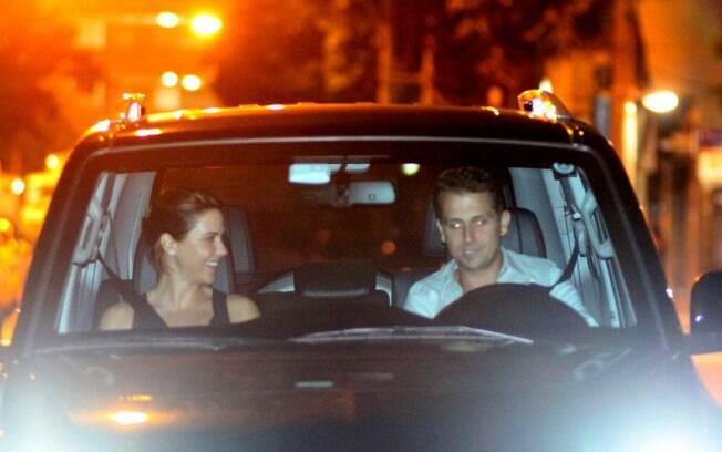 Guilhermina Guinle e Leonardo deixaram o restaurante no carro do advogado