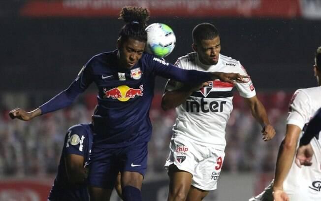 São Paulo entra em campo contra o Bragantino nesta quarta