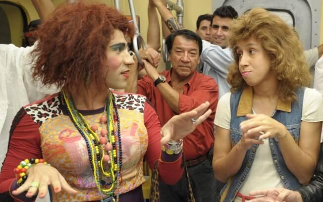 Valéria (Rodrigo Sant'Anna) e Janete (Thalita Carauta) em