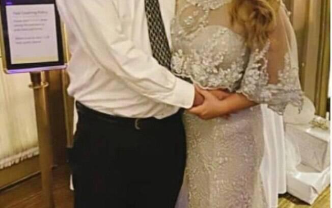 Vestido da madrasta ofusca noiva