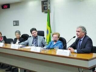 Câmara. Audiência, ontem, na Comissão de Direitos Humanos, debateu revisão da Lei de Anistia