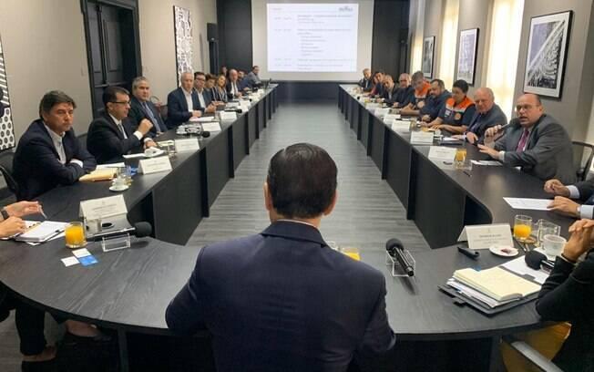 Governador de São Paulo, João Doria reúne-se com empresários em busca de soluções