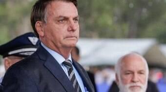 Bolsonaro praticou rachadinha em gabinete, diz oposição