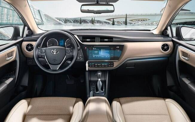 Há quem goste,  mas o interior do Toyota Corolla é mais conservador que de qualquer outro concorrente