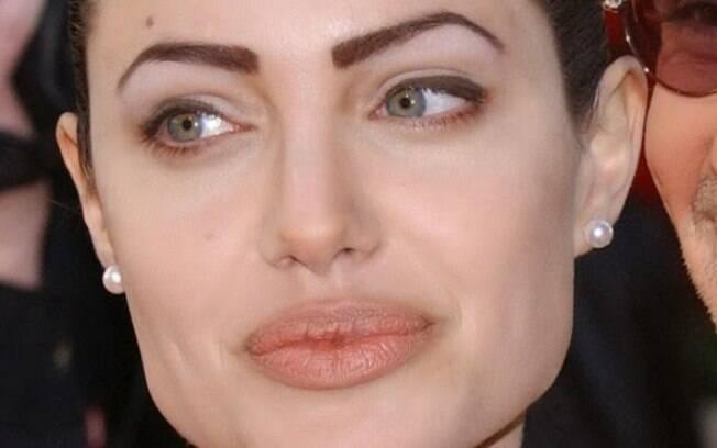 Apesar de sua beleza, Angelina Jolie já foi um exemplo de o que não fazer com as sobrancelhas, que precisam ser naturais