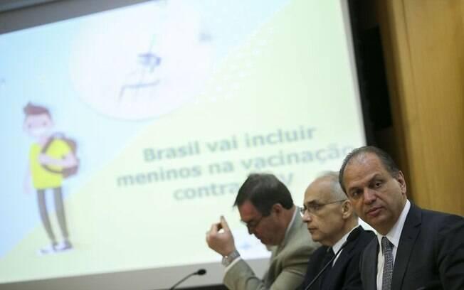 O ministro da Saúde, Ricardo Barros, anuncia ampliação da vacinação contra HPV no Sistema Único de Saúde