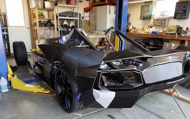 Detalhes da Lamborghini que está sendo feita a partir de impressões 3D