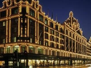 Para conhecer a famosa loja de departamento Harrods, a melhor opção de metrô é a estação de Knightsbridge