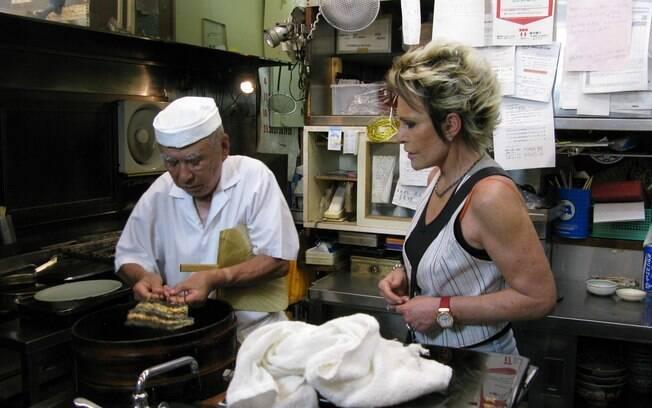 Ana Maria Braga aprende truques com um chef japonês