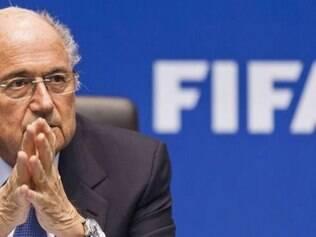 Presidente participou de evento na manhã desta segunda, no Rio, e se esquivou de perguntas sobre o caso