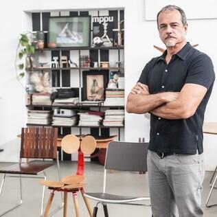 O acerto na ergonomia das peças está entre as prioridades do designer Pedro Useche