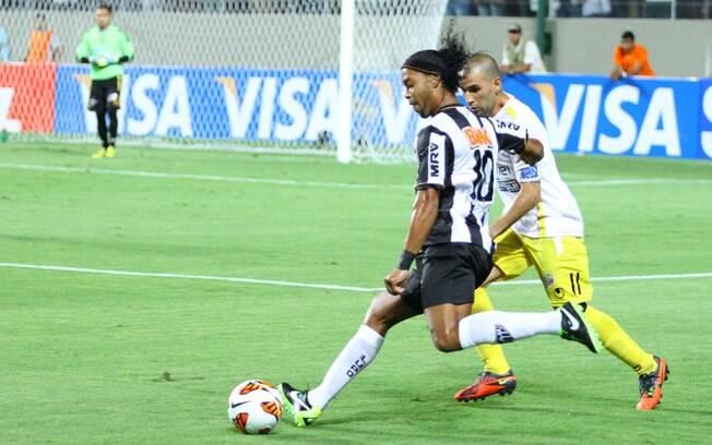 Ronaldinho Gaúcho foi o destaque da vitória  da equipe mineira sobre o Strongest