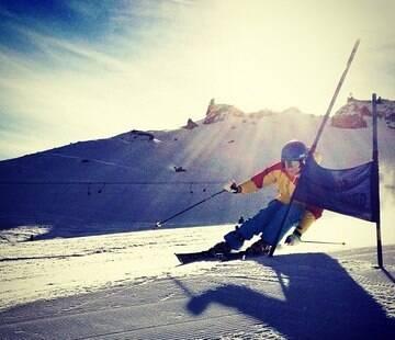 Além de praticar o esporte na neve, competidores também aproveitam a pausa da categoria para viajar com família e amigos