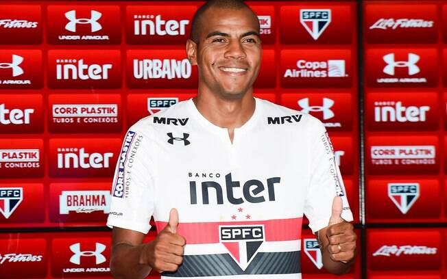 Lateral Régis, ex-São Paulo, é detido no Distrito Federal
