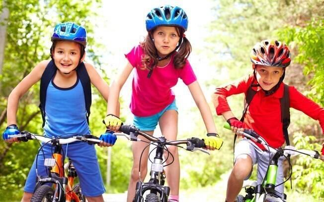 Melhor amigo ajuda a melhor nível de cortisol e autoestima das crianças durante experiências ruins